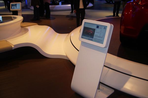 Allestimento stand Hyundai:  progetto espositivo in Corian®