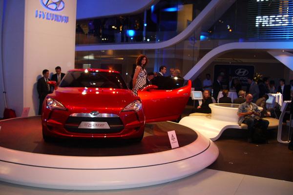 Progettazione stand Hyundai - allestimento espositivo in Corian 06