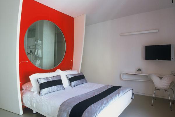 Arredamento Hotel duoMo di Rimini: stanze realizzate con Corian®