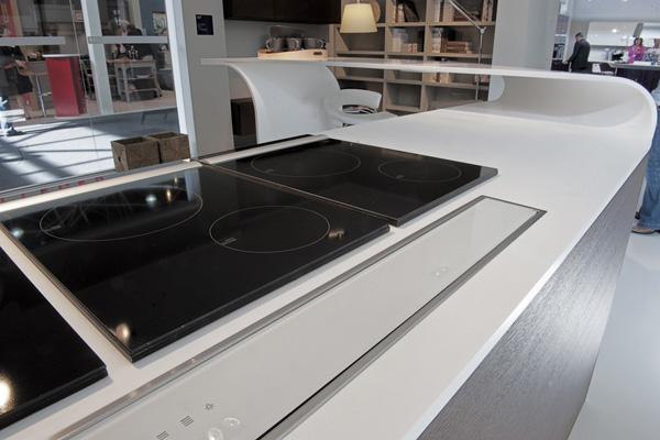 Lavorazione Betacryl solid surface piano cucina