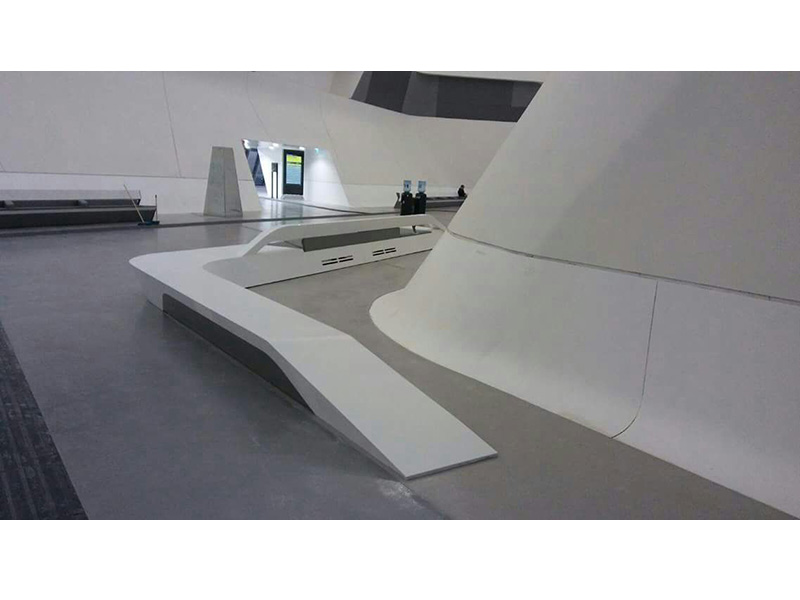 Rivestimento in Corian® | Wall made of Corian®